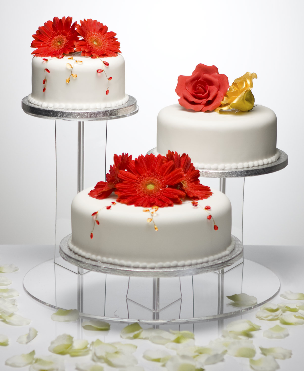 what size wedding cake do i need for 100 guests what size cake stand do i need for my wedding cake 27084