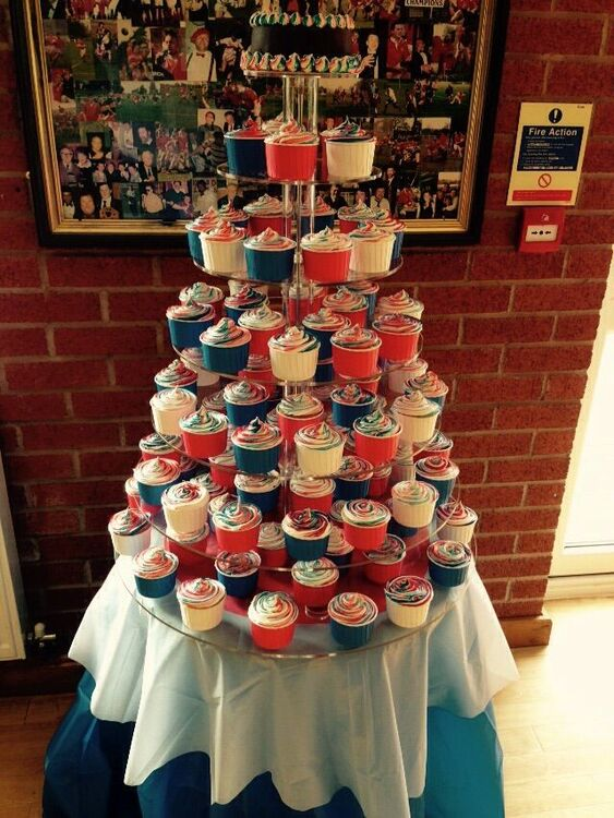 Flat Packable Clear Acrylic 7 Tier Cupcake Stand
