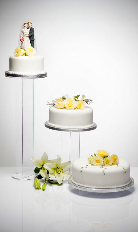 wedding cake tier stands uk beautiful banana design acrylic three tier cake stand 26273